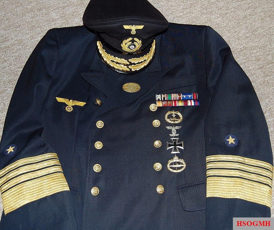 Admiral Karl Dönitz mid war uniform. Made by http://soldat.com o